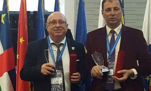 """Viorel Radi şi Horia Horăscu au primit distincţii pentru """"primari de şase stele"""""""