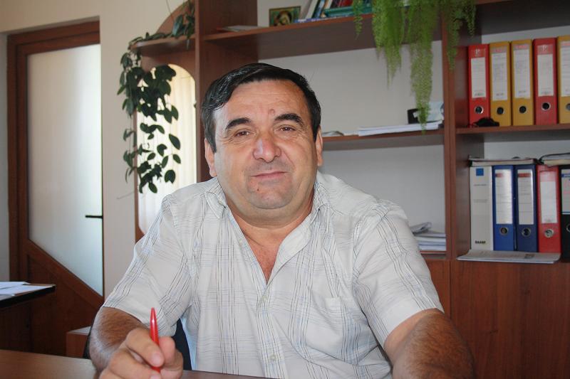La Scundu, primarul Dumitru Blejan va reabilita sediul primăriei