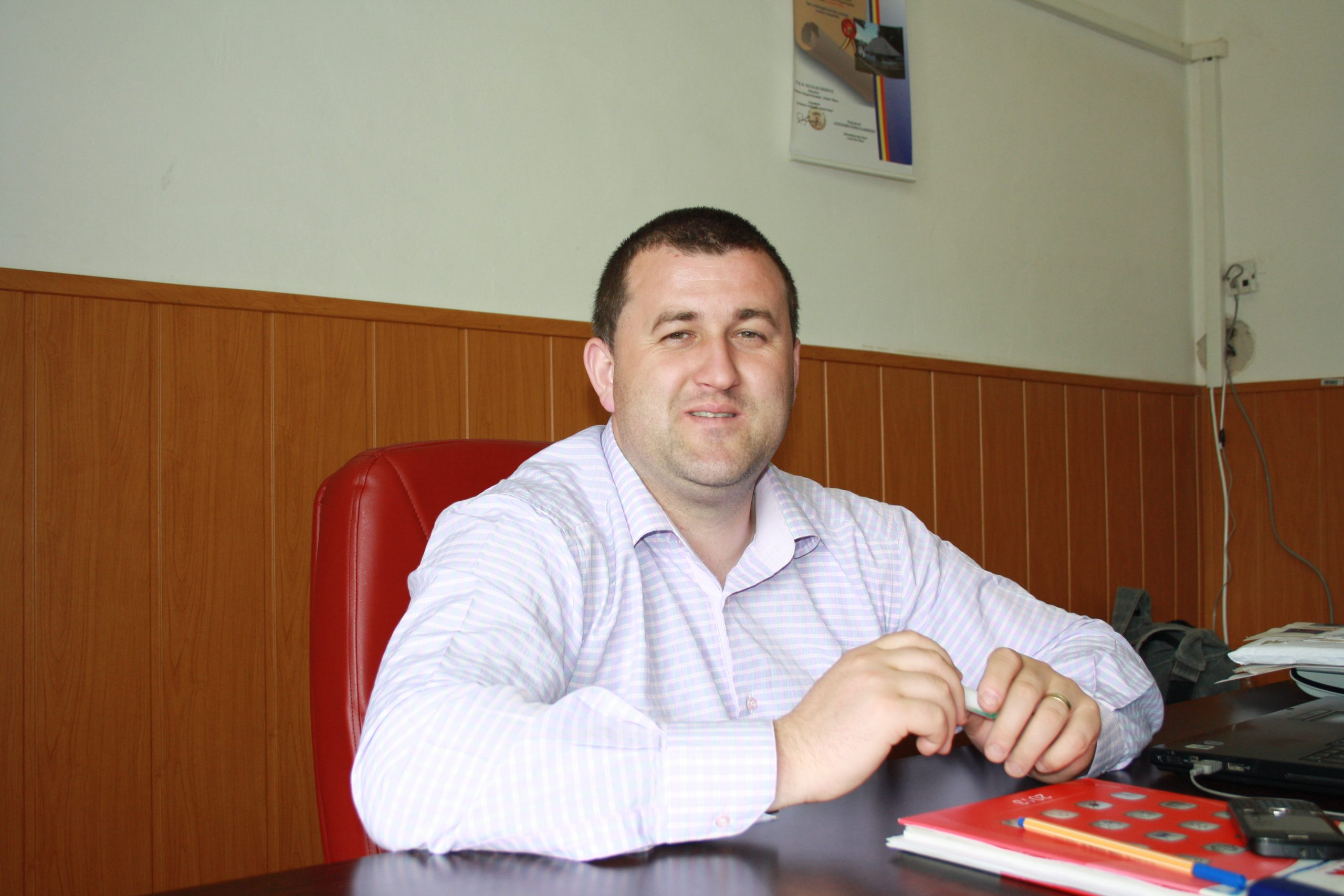 Primarul comunei Costeşti a decis să ia măsuri dure față de cei care aruncă gunoi pe domeniul public