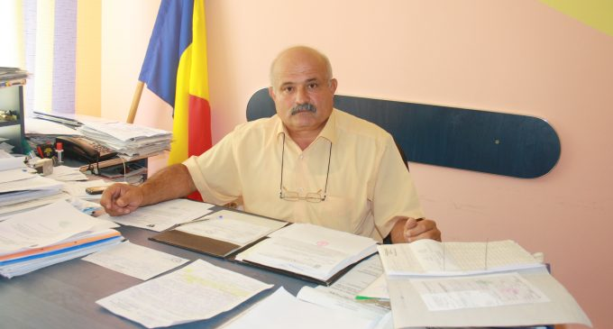 La Nicolae Bălcescu, comunitatea vrea asfalt pe drumuri