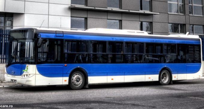 Prinşi în flagrant, în timp ce furau un autobuz