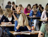 768 de elevi, absenţi la simularea Evaluării Naţionale