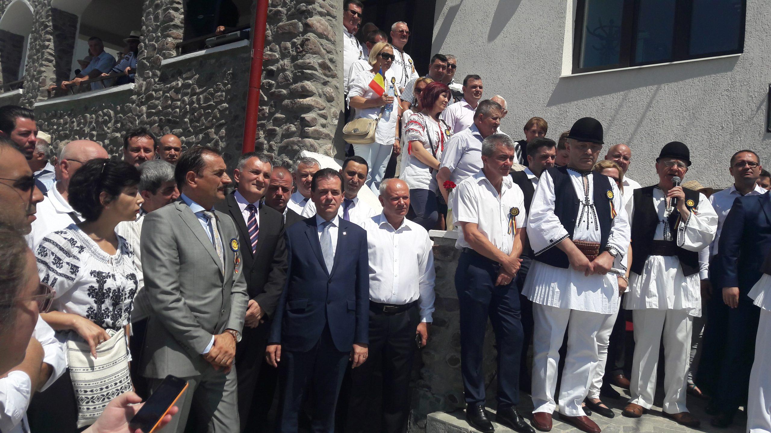 "Ludovic Orban, prezent la ""Învârtita Dorului"", de la Vaideeni"