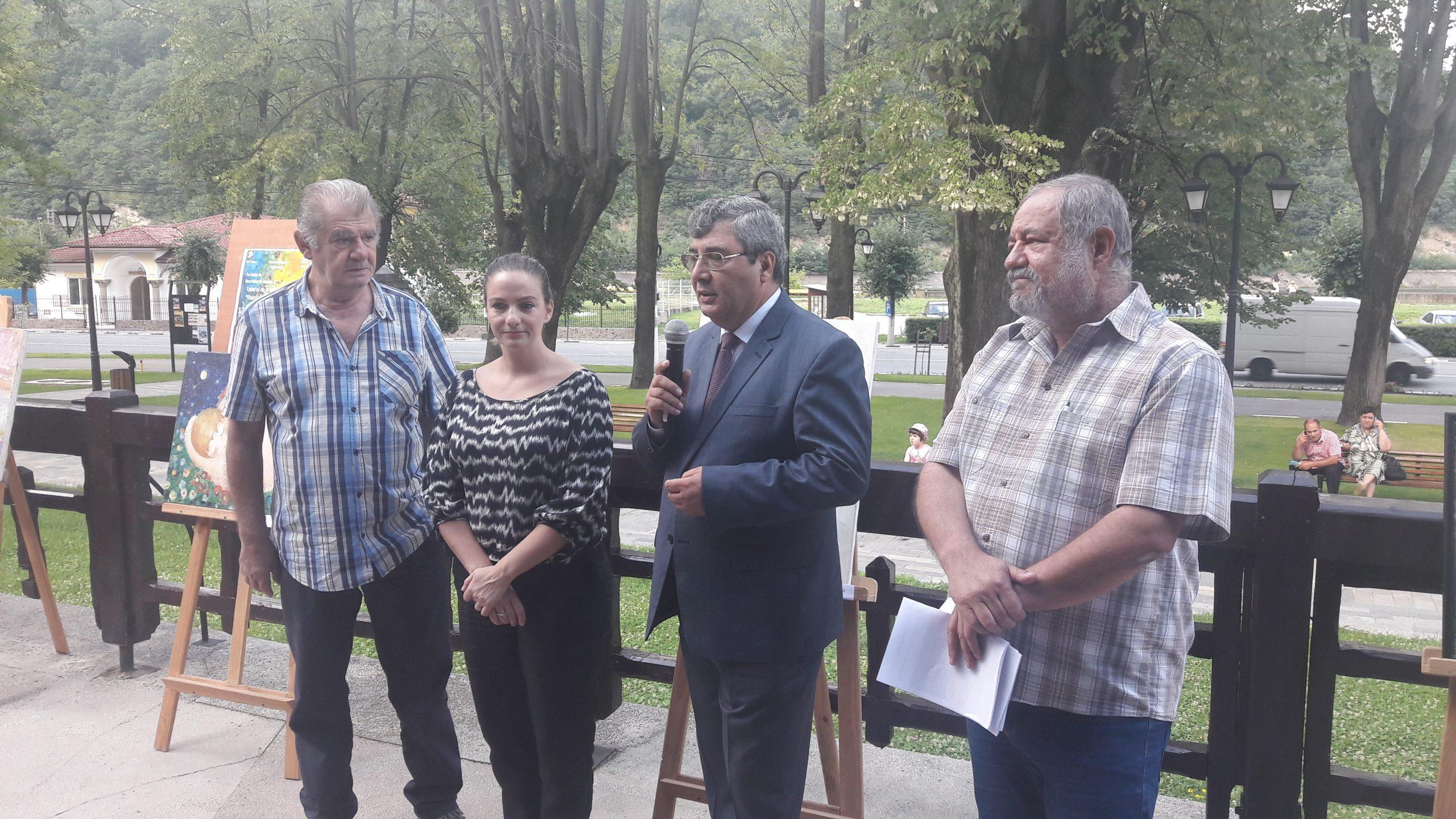 Florin Zamfirescu critică nepăsarea guvernanţilor pentru reabilitarea Casei de Cultură din Călimăneşti
