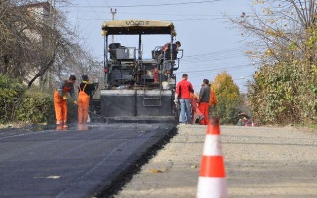Lucrări de asfaltare pe DJ 687 C