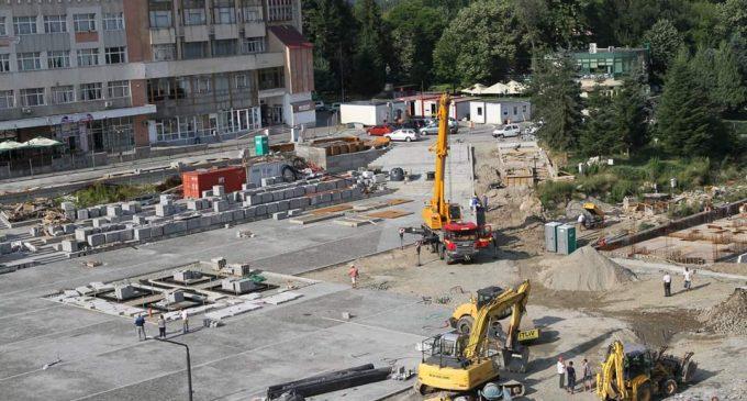 Penalităţi de 10.000 euro pentru fiecare zi de întârziere la proiectul de modernizare a zonei centrale