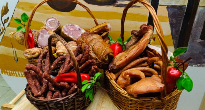 Bucătăriile tradiţionale din Horezu se pot transforma în puncte gastronomice locale