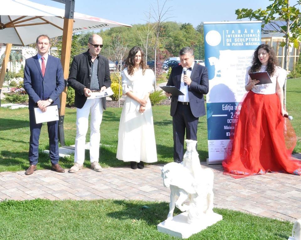 Artiştii vor lucra la sculptura ecvestră a Reginei Maria în cadrul Taberei Internaţionale de Sculptură în Piatra Măciuca
