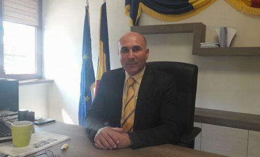 """Ionel Vlădulescu: """"Ar fi ruşinos să dăm ajutoare sociale cu atâtea locuri de muncă în localitate"""""""