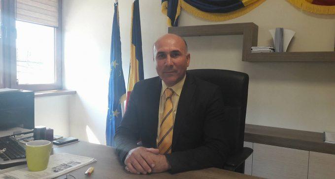 """Ionel Vlădulescu: """"Dezvoltam infrastructura de la Budeşti"""""""