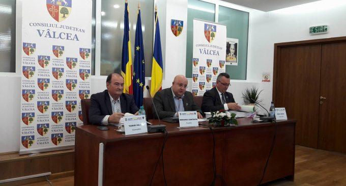 """Constantin Rădulescu: """"Guvernul va aloca administraţiilor locale bani direct, pentru că a treia rectificare nu se mai poate face"""""""