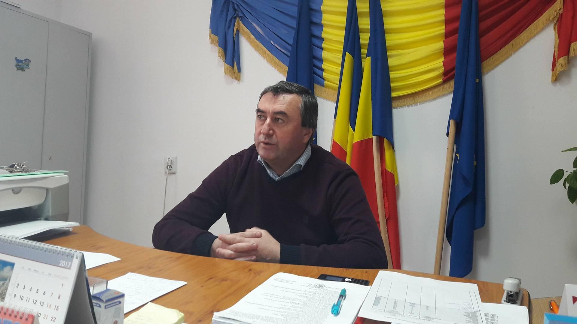 Primăria oraşului Bălceşti va achiziţiona tablete cu bani europeni pentru elevii și profesorii orașului