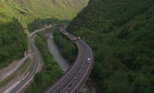 Cel târziu în luna august începe construcţia autostrăzii Sibiu-Piteşti