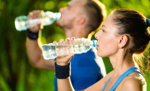 Totul despre apa alcalină – beneficii și efecte asupra organismului