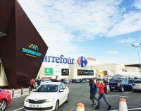 Mii de vâlceni au luat cu asalt noul mall care şi-a deschis porţile la Râmnicu Vâlcea