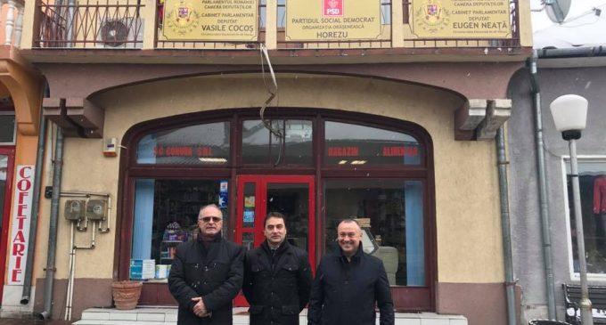 Aflat în vacanţă parlamentară, deputatul Vasile Cocoș continuă întâlnirile cu cetăţenii în teritoriu