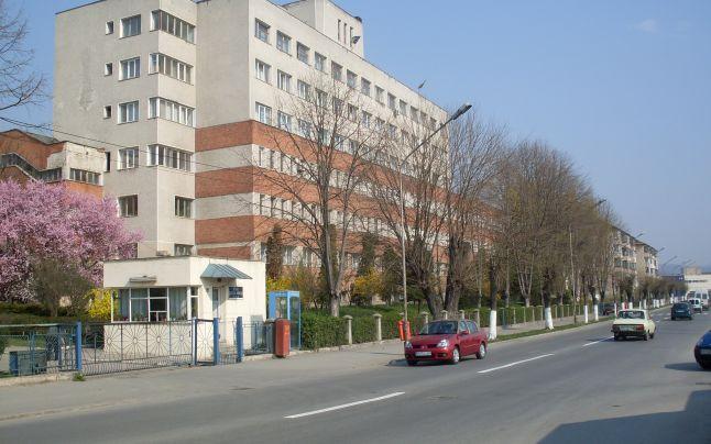 Clădirea Maternității este în construcție prin fonduri europene și ajutor din partea Consiliului Județean Vâlcea
