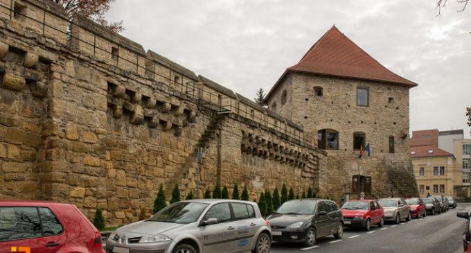 Zidurile de apărare ale Clujului au devenit obiective turistice