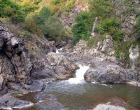 Cascada Ciucaş, un jacuzzi natural, într-un peisaj sălbatic