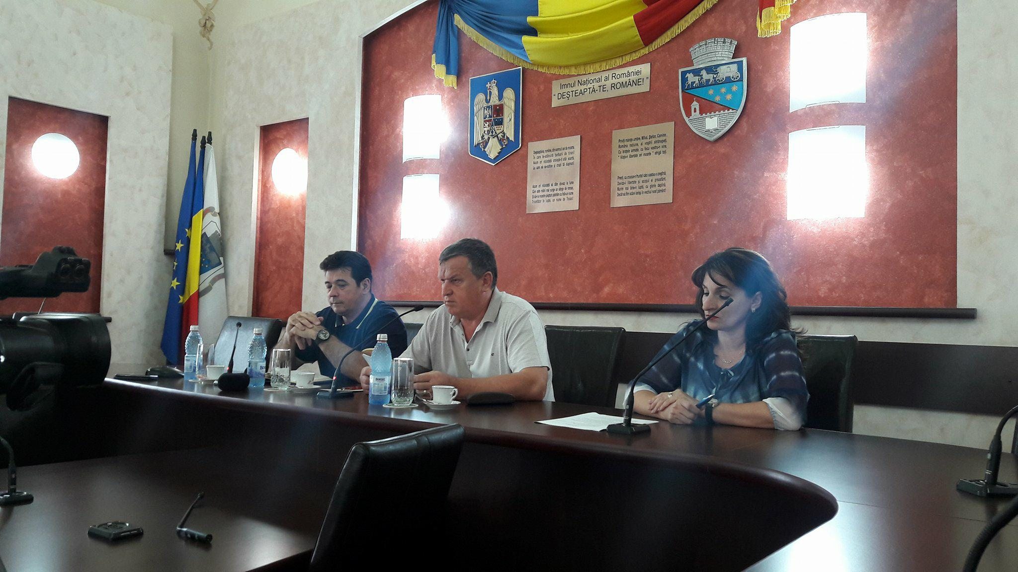 Primăria Râmnicului a mai depus încă cinci proiecte europene pentru modernizarea şcolilor din municipiu