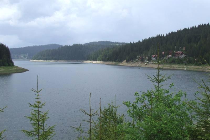 Lacurile Fântânele şi Tarniţa, destinaţii turistice din judeţul Cluj