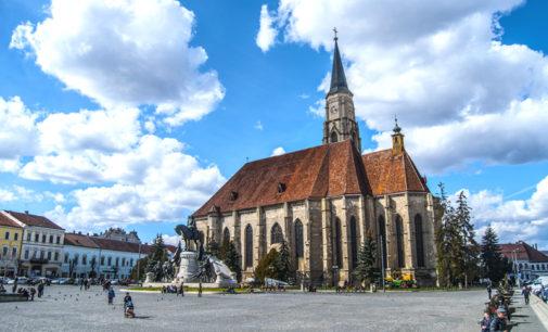 Piaţa Unirii şi Biserica Sfântul Mihail, locuri de unde începe istoria Clujului