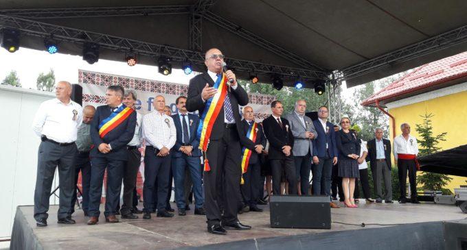 """Comuna Stoenești, la ceas de sărbătoare. """"Pe fir de borangic"""" a marcat cea de-a patra ediție"""