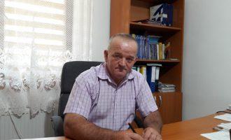 """Dumitru Ropină: """"Localitatea are nevoie urgentă de asfalt pe uliţe"""""""