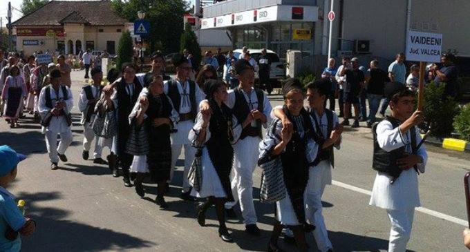 """Festivalul """"La Izvorul Dorului"""" de la Băbeni, la cea de-a 47-a ediție"""