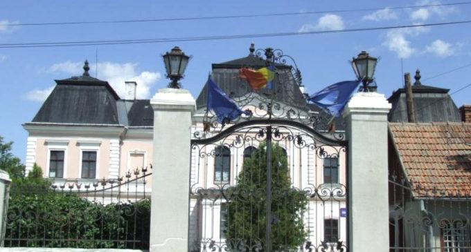 Vizitaţi Castelul Bánffy din Răscruci, reşedinţa de vară a familiei nobiliare