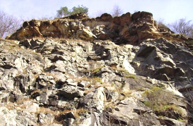 """Vă invităm să vizitaţi rezervaţia naturală geologică """"Cariera Corabia"""""""