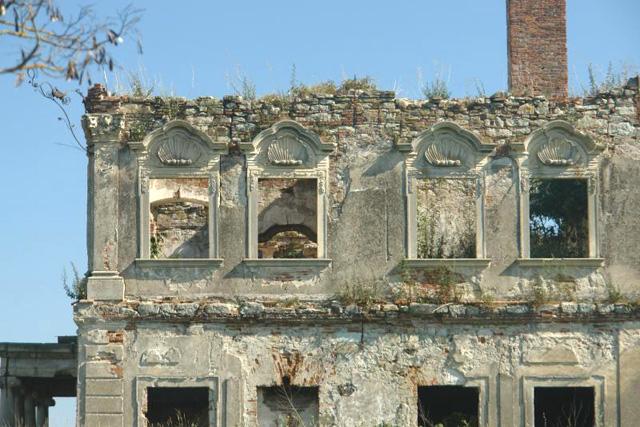 Ruinele castelelor de la Cluj oferă fragmente de arhitectură veche