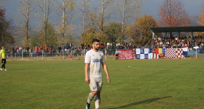 Fotbal, Liga a III-a, Seria C3, CSM Alexandria – Flacăra Horezu 0-1/ Flacăra se menţine lider