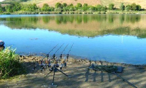 Lacul Ţaga, locul ideal pentru pescarii pasionaţi