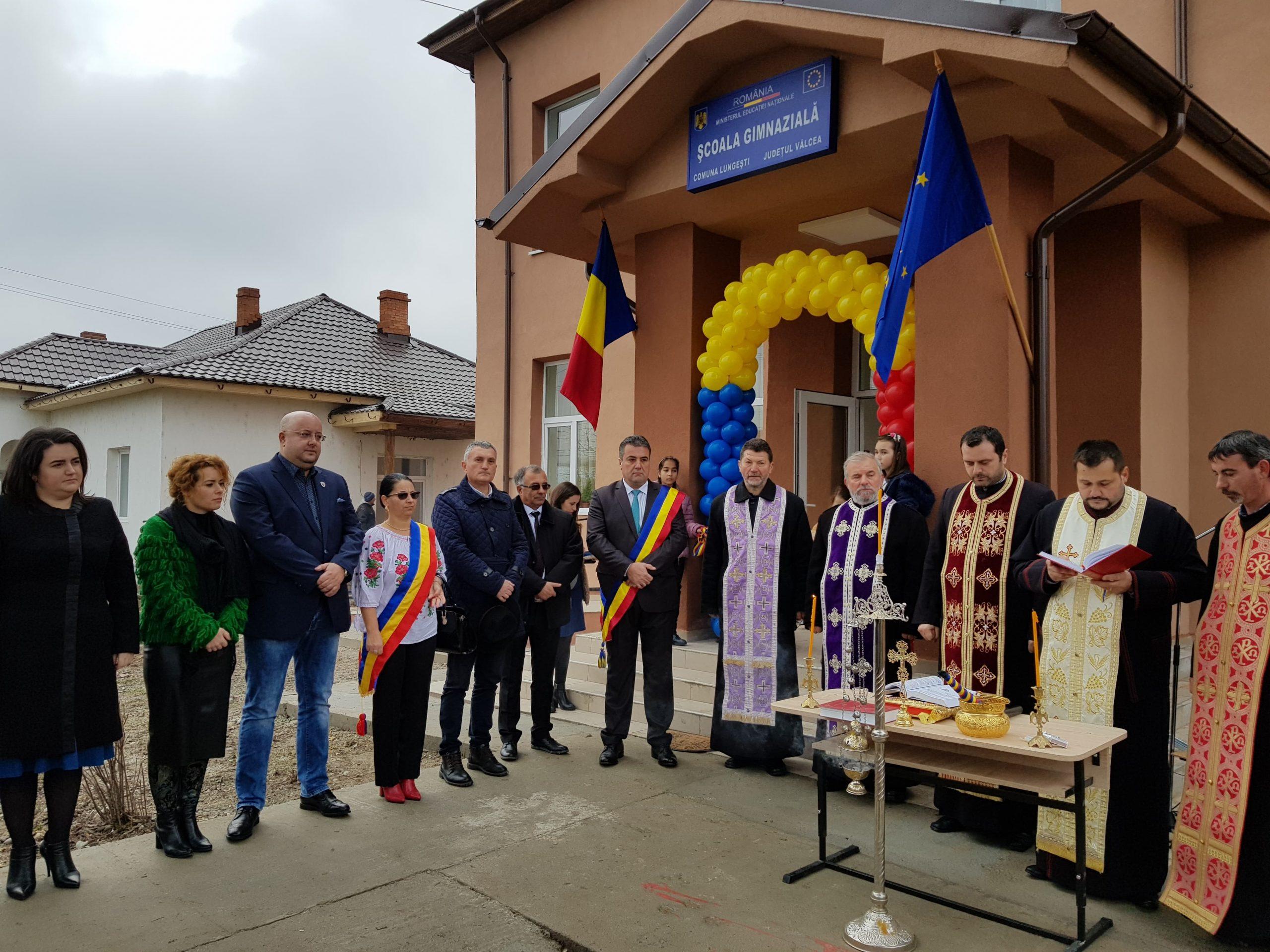 Zi de sărbătoare la Lungești. Elevii Şcolii Gimnaziale vor învăța în casă nouă