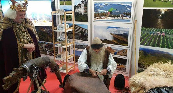 Județul Vâlcea și-a prezentat oferta turistică și tradițională la cea de-a 40-a ediție a Târgului de Turism al României