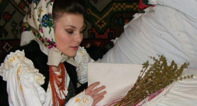 Tradiții și superstiții de Bobotează. Ritualurile prin care fetele nemăritate își pot afla ursitul