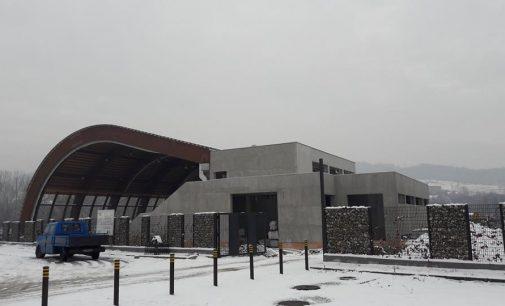 Primăria Râmnicului returnează banii europeni primiţi pentru modernizarea ştrandului Ostroveni