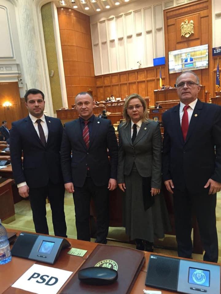 Reuşită a parlamentarilor vâlceni: Primarii declaraţi incompatibili de ANI nu îşi vor mai pierde mandatele