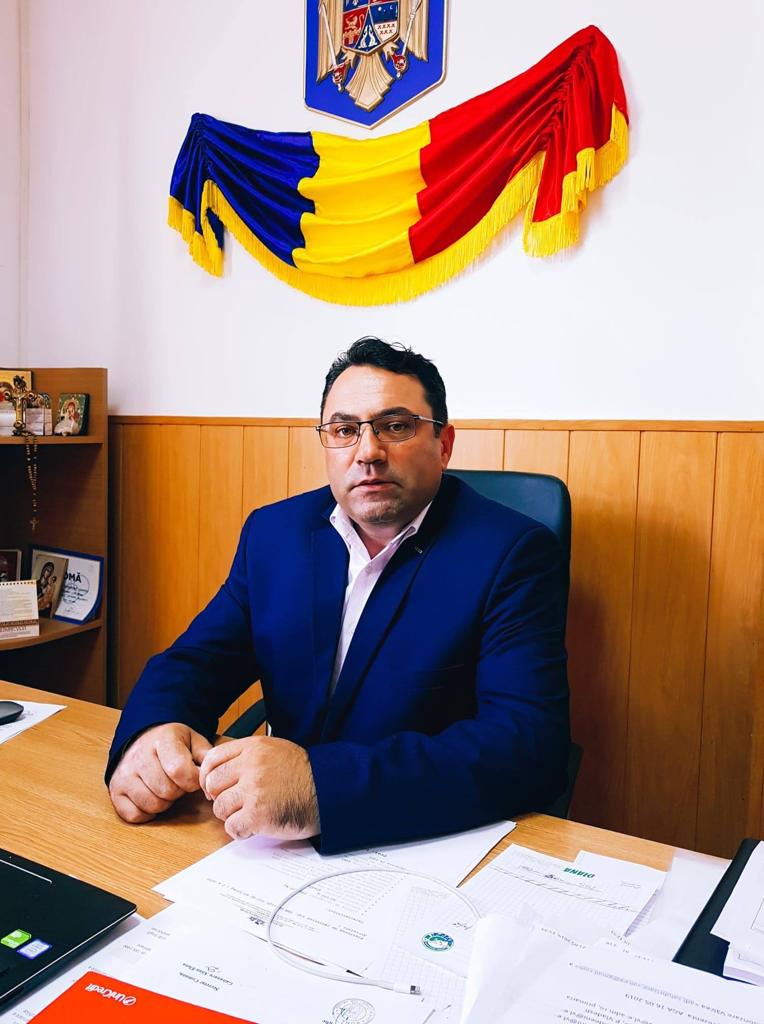 Primarul Gîngu face apel către cetățenii din Bujoreni să depună solicitări la Distrigaz Sud