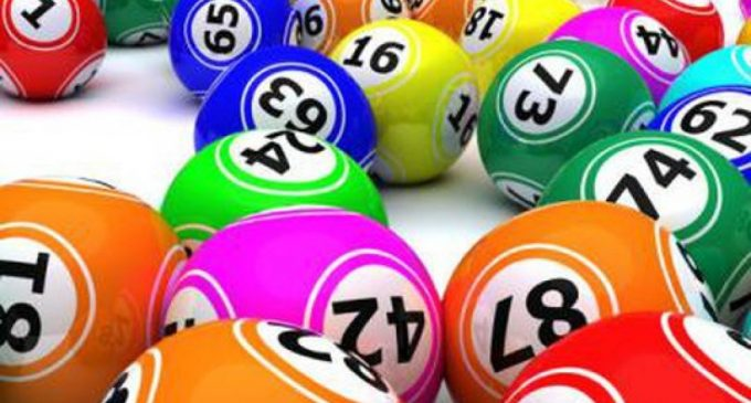 Românilor le place să parieze pe loterii internaţionale