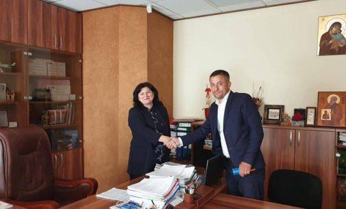 """Strategia primarului Mihai Pătru pentru dezvoltarea turistică a oraşului Ocnele Mari: """"Vreau să aducem acel sclipici al oraşului de acum treizeci de ani"""""""