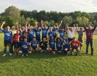 Băile Olăneşti, prima echipă de Liga a IV-a, premiată pentru accederea în Surperligă