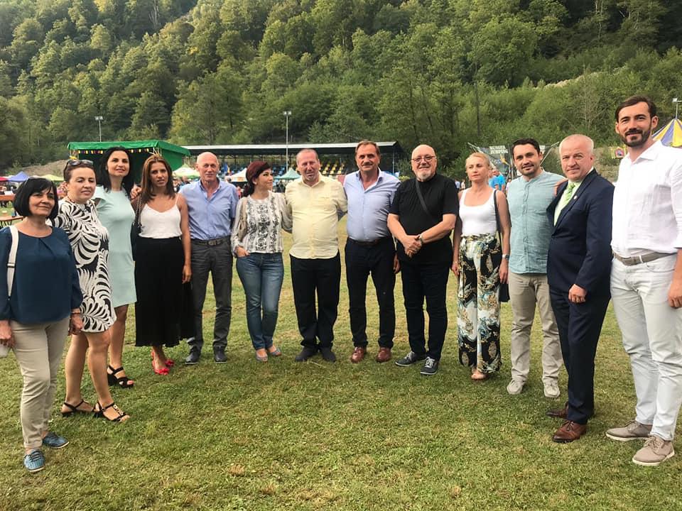 La Mălaia, timp de trei zile,  Muzica folk, poezia şi portul popular au fost la loc de cinste