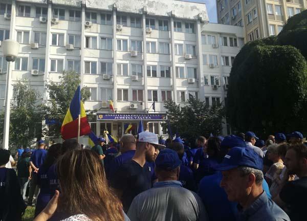 Protestatarii au rămas cu buza umflată după ultima zi de miting