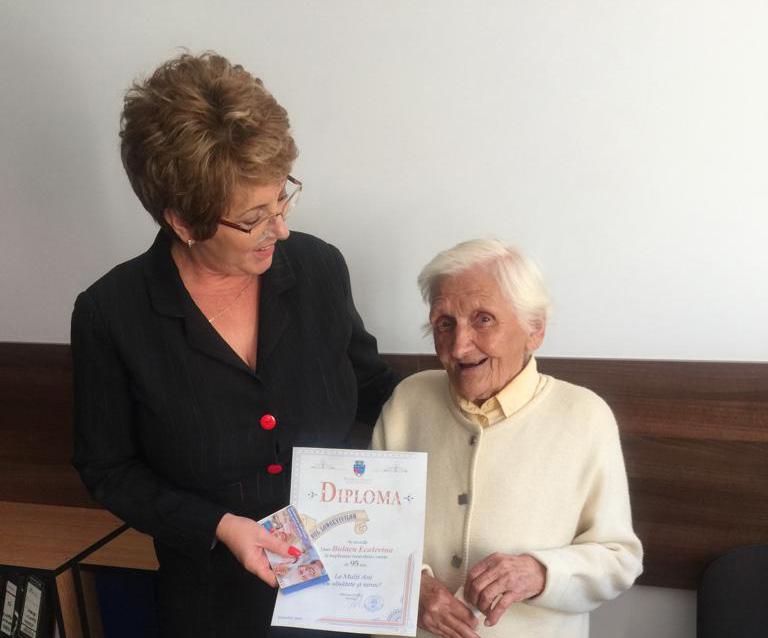 Primăria Râmnicu Vâlcea sărbătoreşte longevitatea vârstnicilor