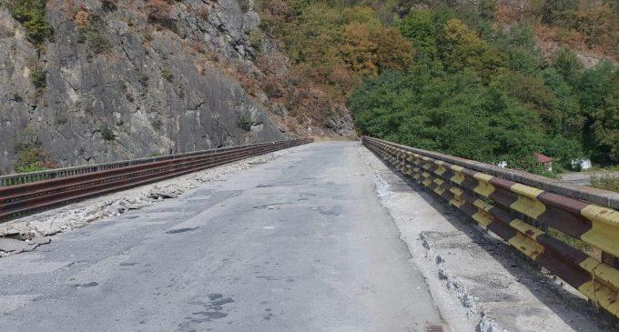 Podul de pe DJ 703 M Perișani – Cornet a intrat în reabilitare