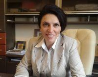 """Claudia Banu: """"România continuă să fie guvernată, şi guvernată bine"""""""