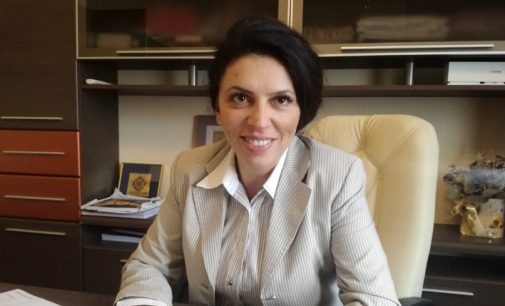 """Claudia BANU: """"Trebuie să schimbăm sensul politicii în România"""""""