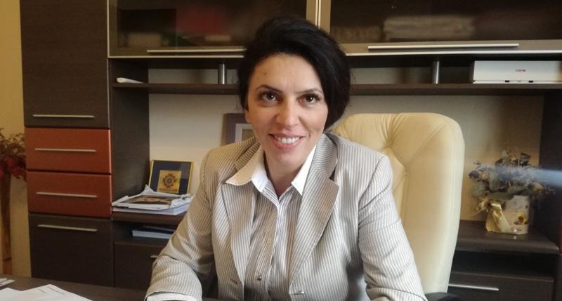 """Claudia Banu: """"Doresc să fiu vocea cetățenilor în Senat"""""""